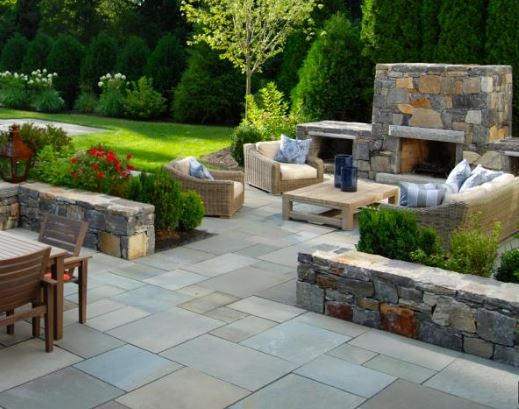 outdoor-fireplace-pic