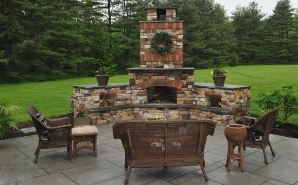 stone-fireplace-dark-earth-tone